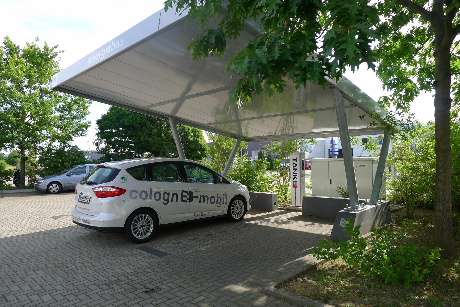elektroauto ladestation in k ln von h nefeld stra e. Black Bedroom Furniture Sets. Home Design Ideas
