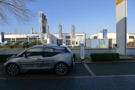 Stationsfoto Nissan Center Europe / Renault Deutschland AG 1