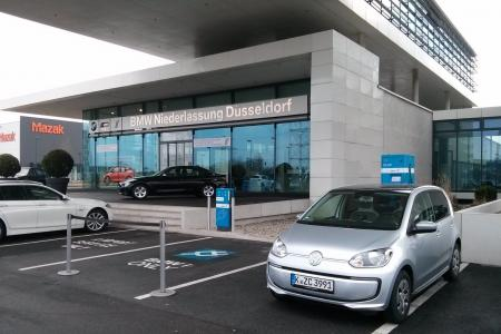 Stationsfoto BMW Niederlassung Düsseldorf-Rath  0